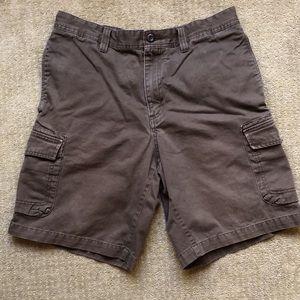 Eddie Bauer Cargo Shorts | Size 33